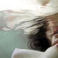 Naga pod wodą