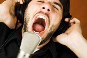 niski męski głos a jakość spermy